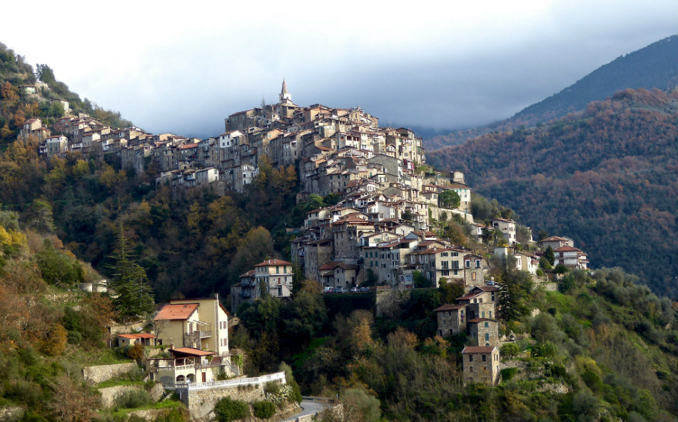 triora-liguria-witches-5-apricale