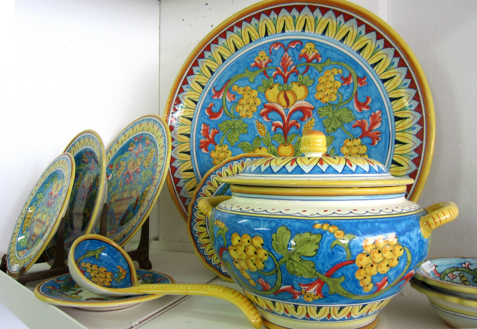 the best souvenirs from Italy - Deruta ceramics - by Douglas Hoyt