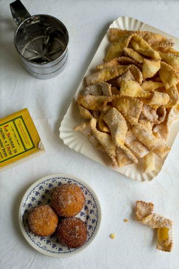 Carnival dessert recipes - Cenci and Krapfen - © Rosemarie Scavo