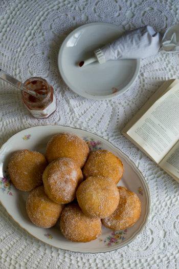 Carnival dessert recipes - Krapfen - © Rosemarie Scavo