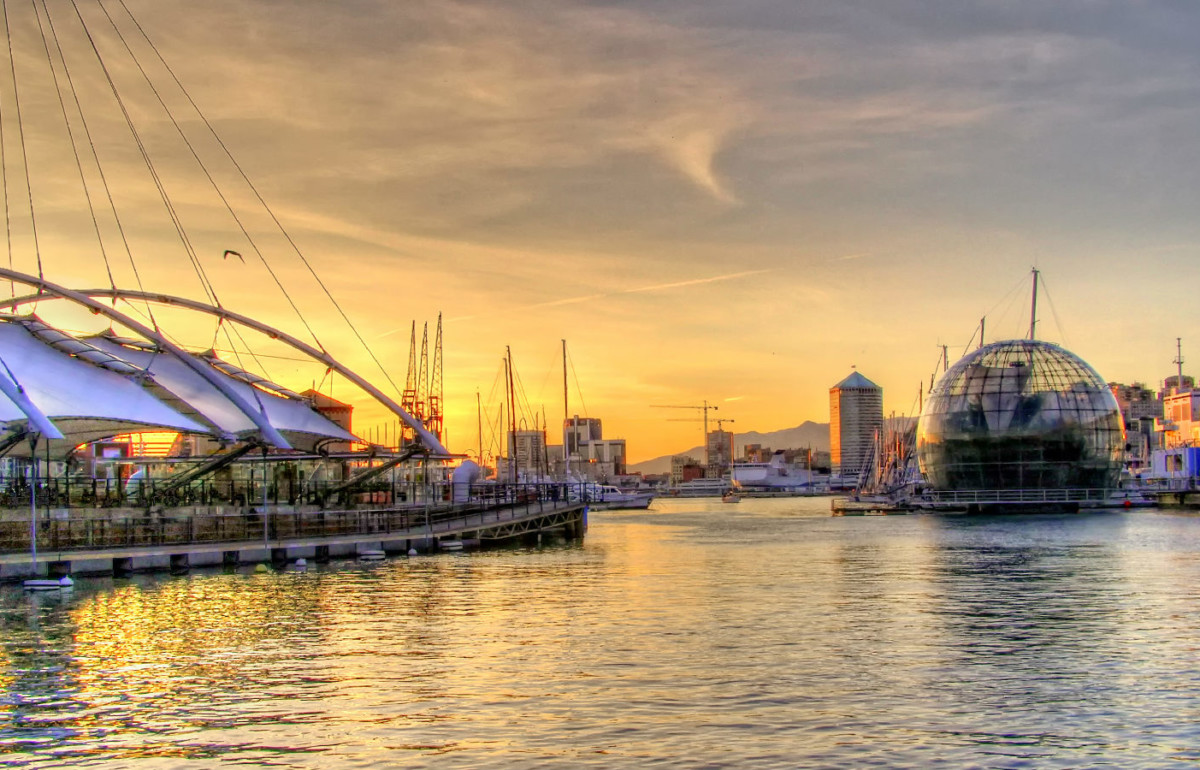 Guide to Genoa - Genoa waterfront - by Federico Perola