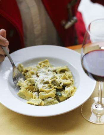 Agnolotti al plin with butter and sage sauce - © Alecia Wood