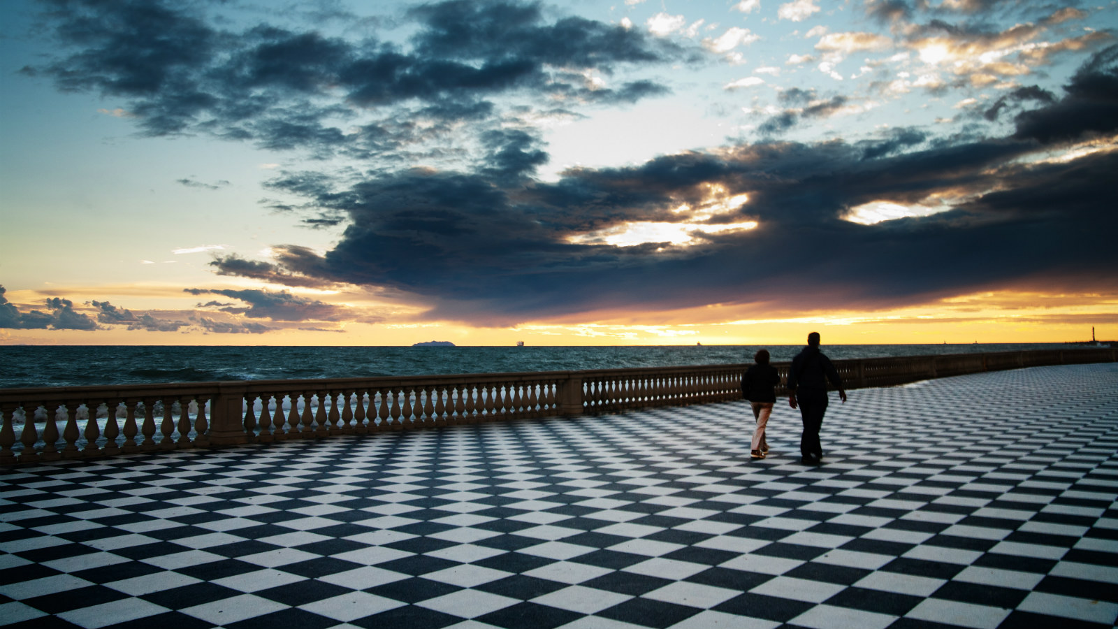 Terrazza Mascagni in Livorno - by Fabrizio Angius - The Grand Wine ...