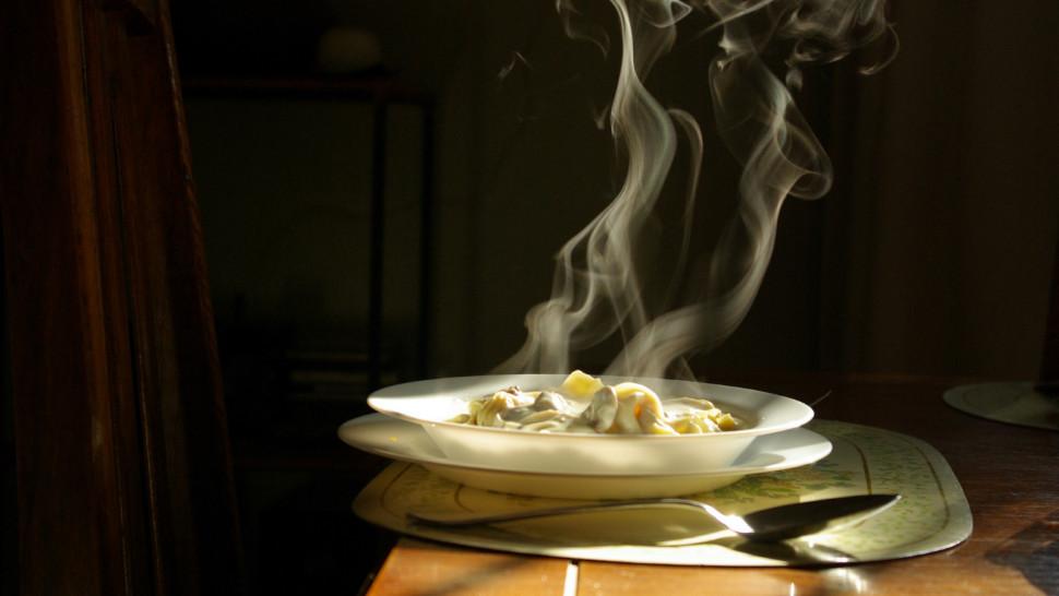 Stuffed pasta - Tortellini in brodo - by Sebastiana González Schneidewind