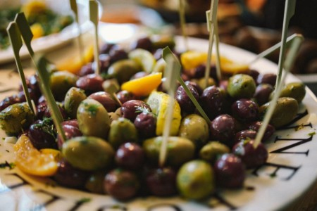Olives by kaboompics