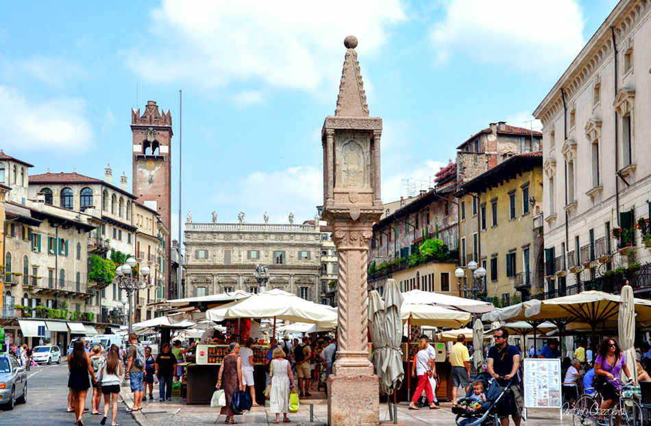 A busy marketplace in Verona