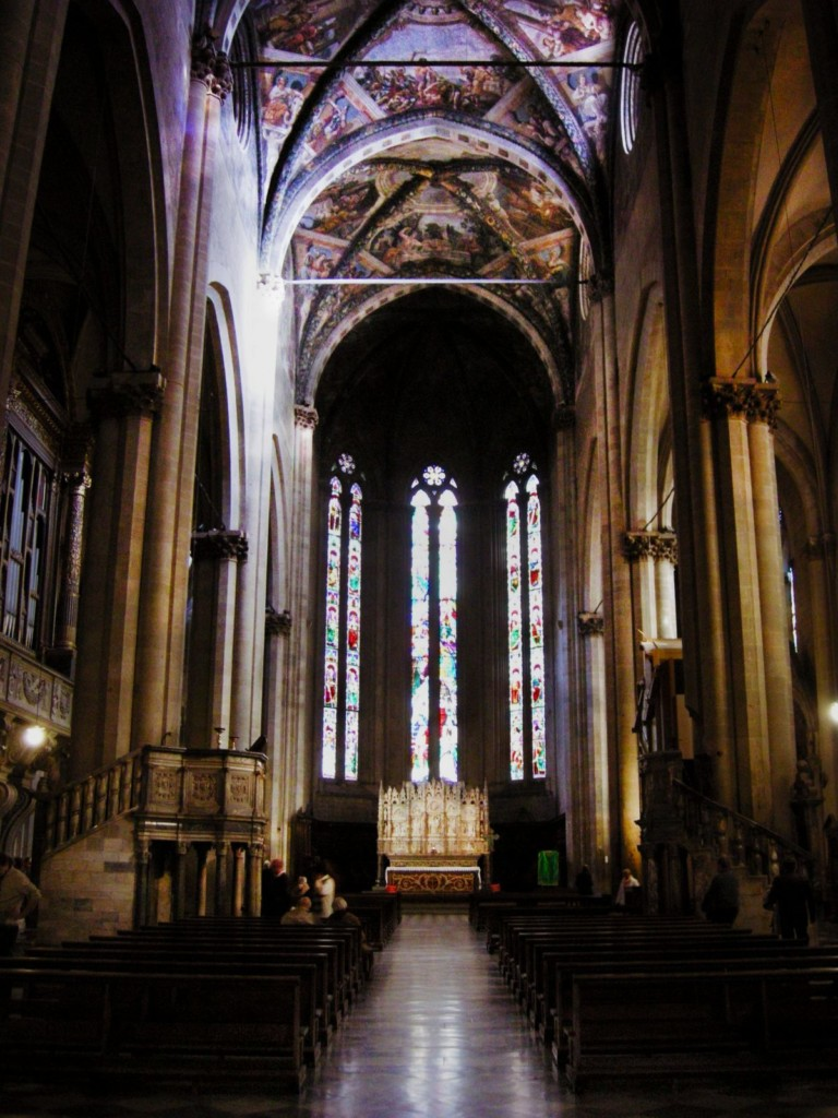 the interior of the duome di arezzo